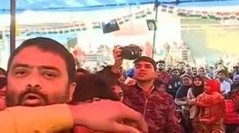Deepak Chaurasia heckled at Shaheen Bagh, FIR registered