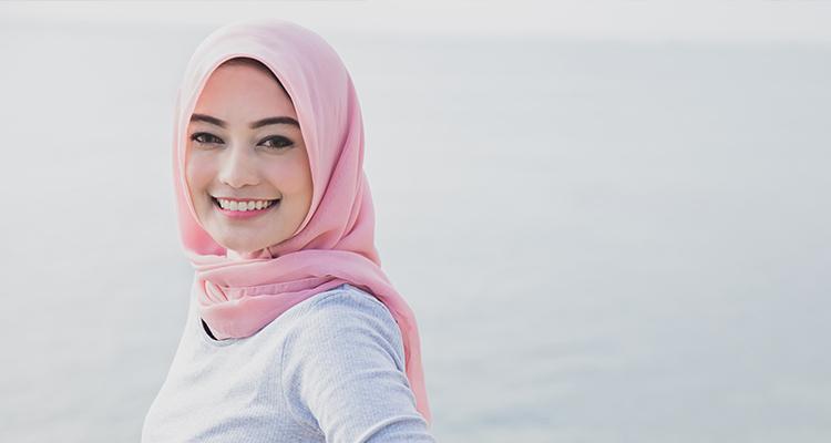 01F_tutorial-hijab-segitiga-simple-untuk-sehari-hari750x400.jpg