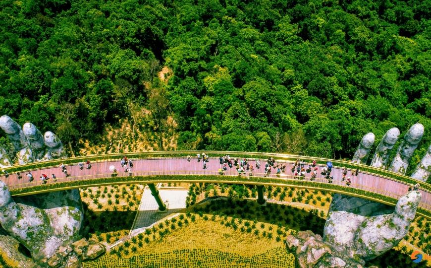 Da Nang provides more assistance for Japanese tourists