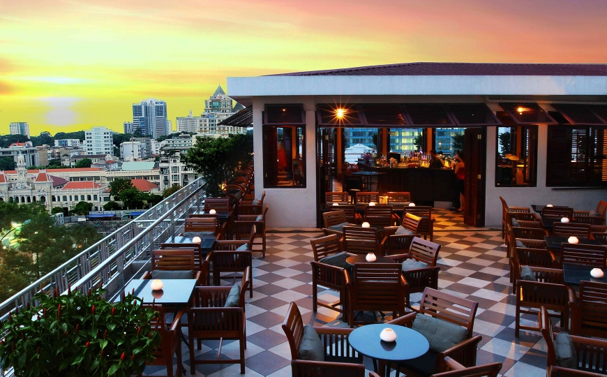 HCMC NIGHTLIFE - SAIGON SAIGON ROOFTOP BAR