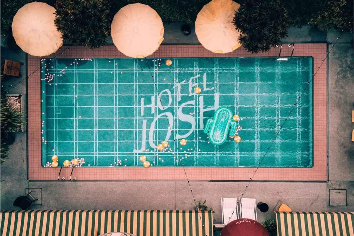 JOSH Hotel ห้องพักรวมอาหารเช้า