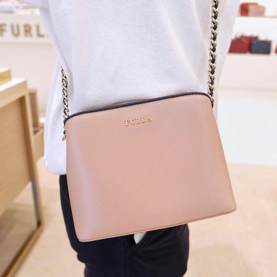 กระเป๋า FURLA สีชมพูอ่อน