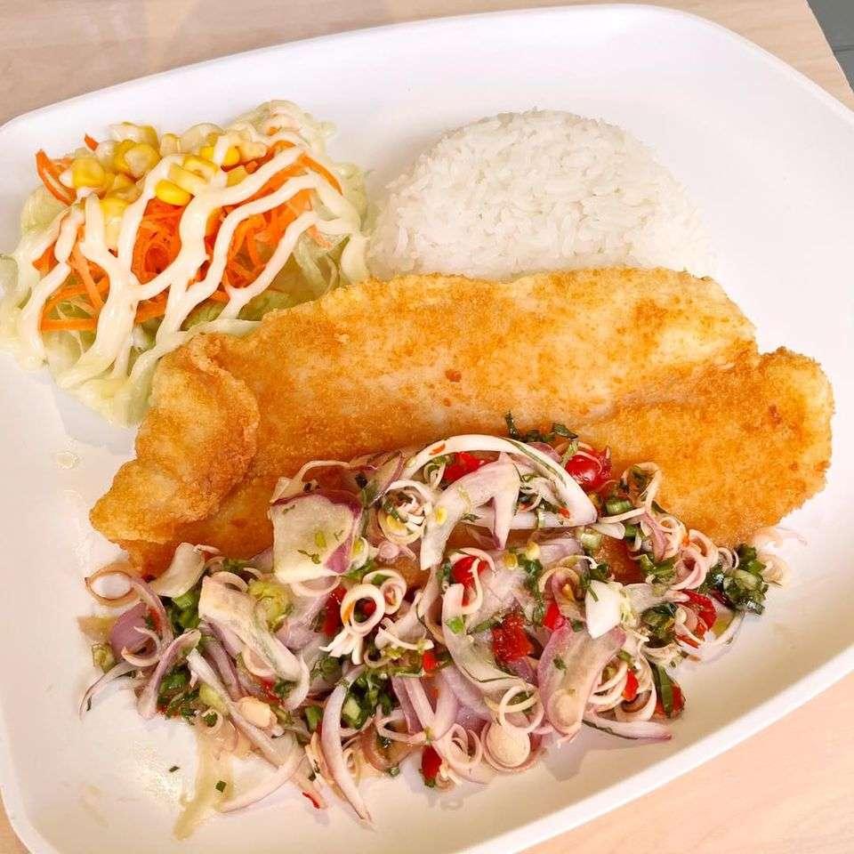 ข้าวสเต็กปลาลุยสวย