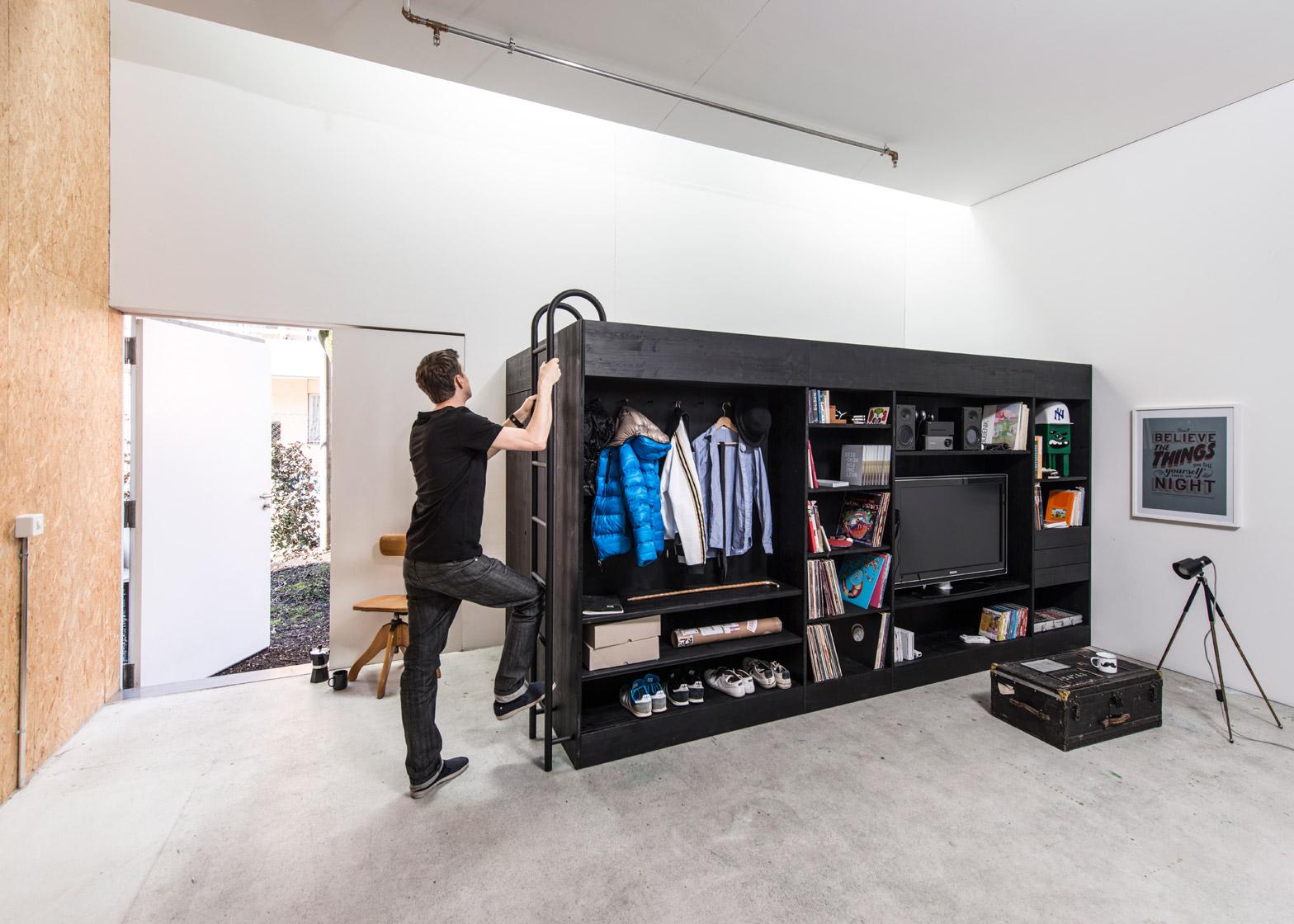 Furniture Hemat Ruang