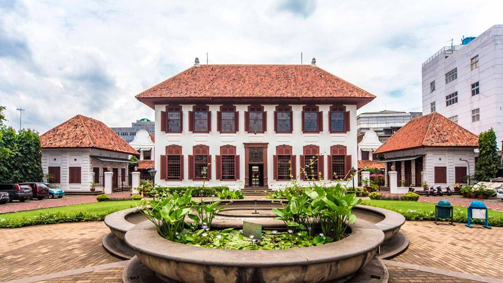 9 Bangunan Karya Arsitek Indonesia yang Meraih Penghargaan Internasional -  Artikel SpaceStock