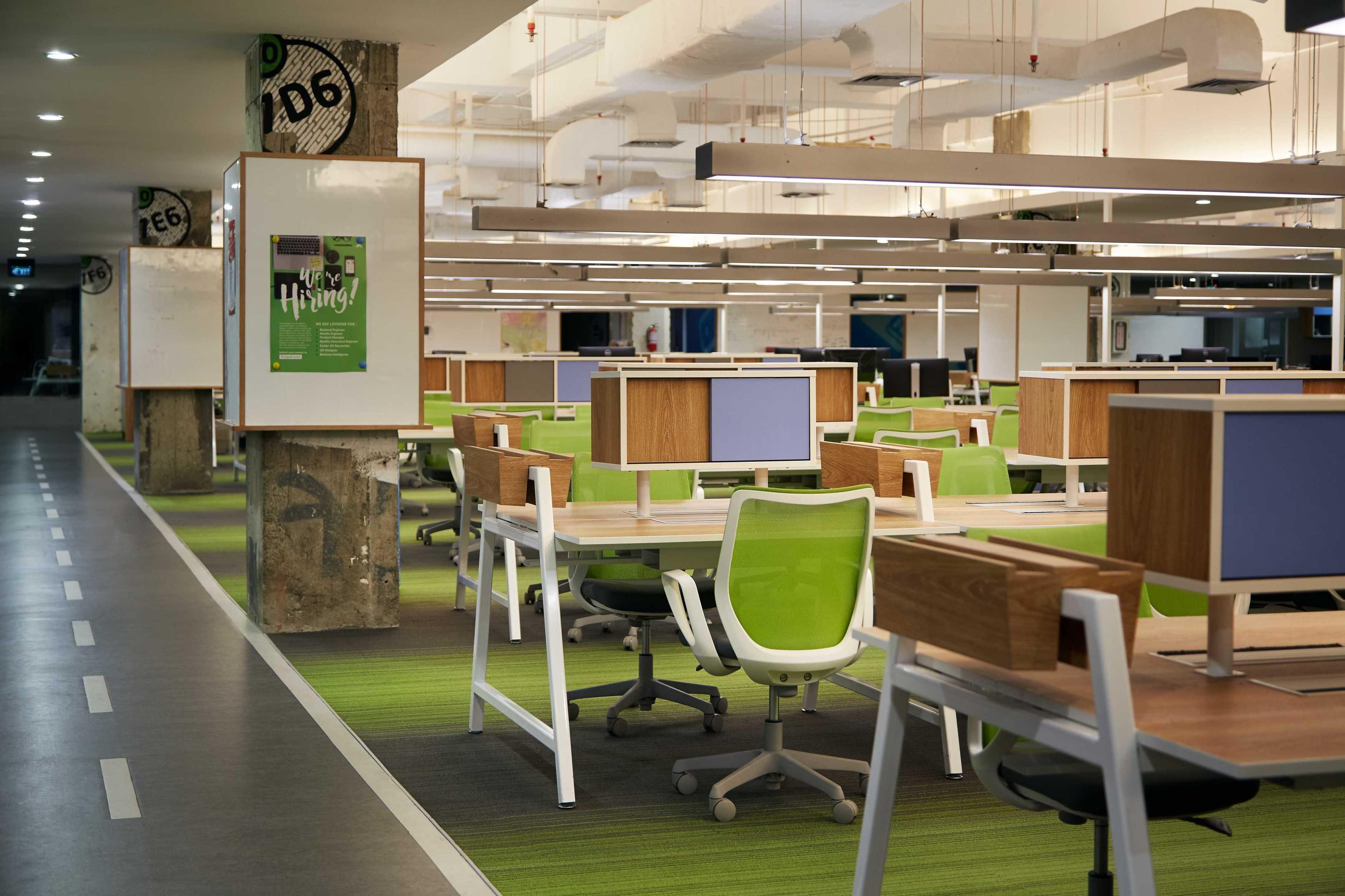 photo workstation gojek headquarter at pasaraya blok m desain arsitek oleh domisilium studio