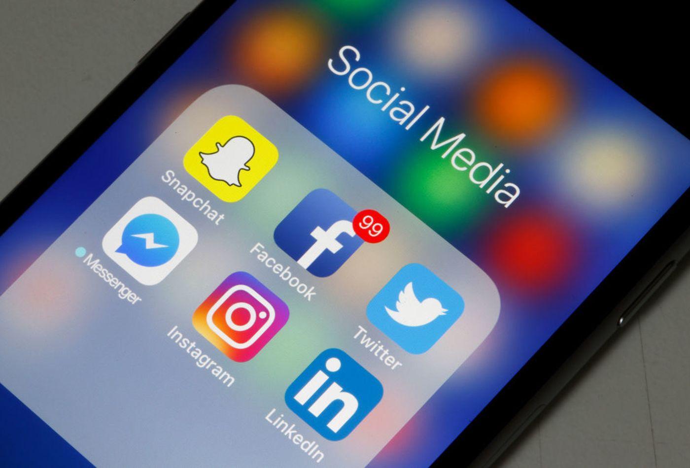 Gaya Hidup Sosial Media