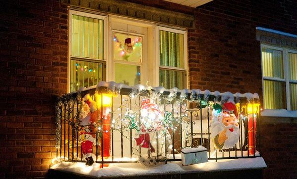 Dekorasi Natal di Balkon