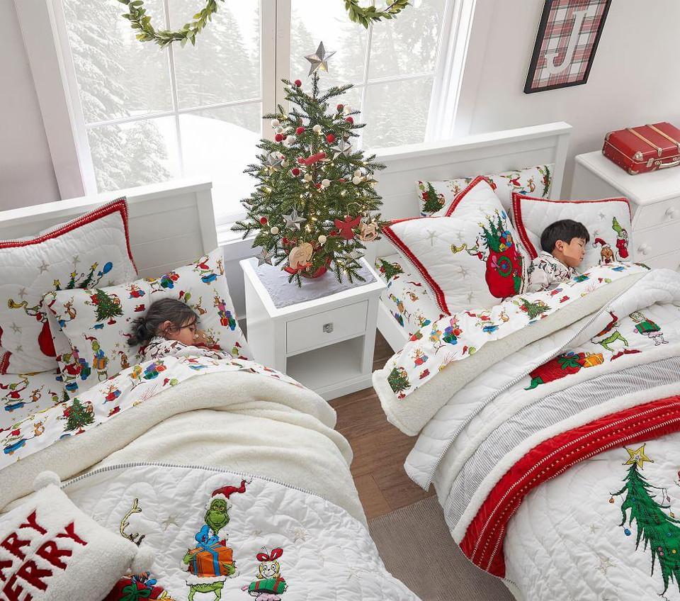 Desain Natal di Kamar