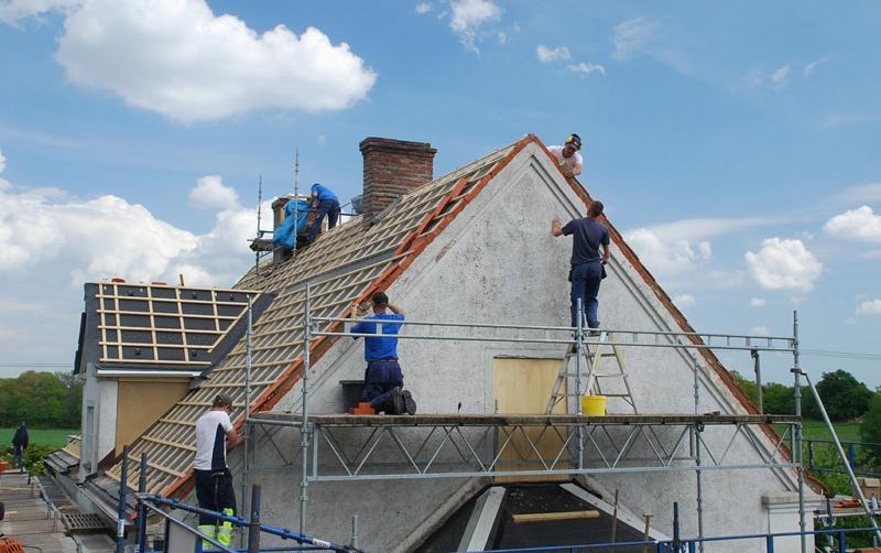 Atap Rumah Bocor