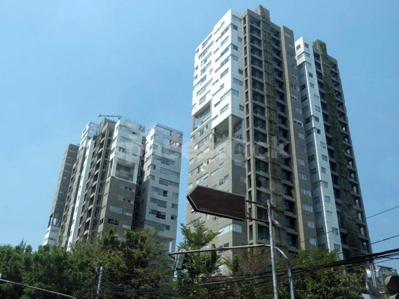 Apartemen 1 Park Residence