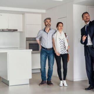 cara menjadi agen properti