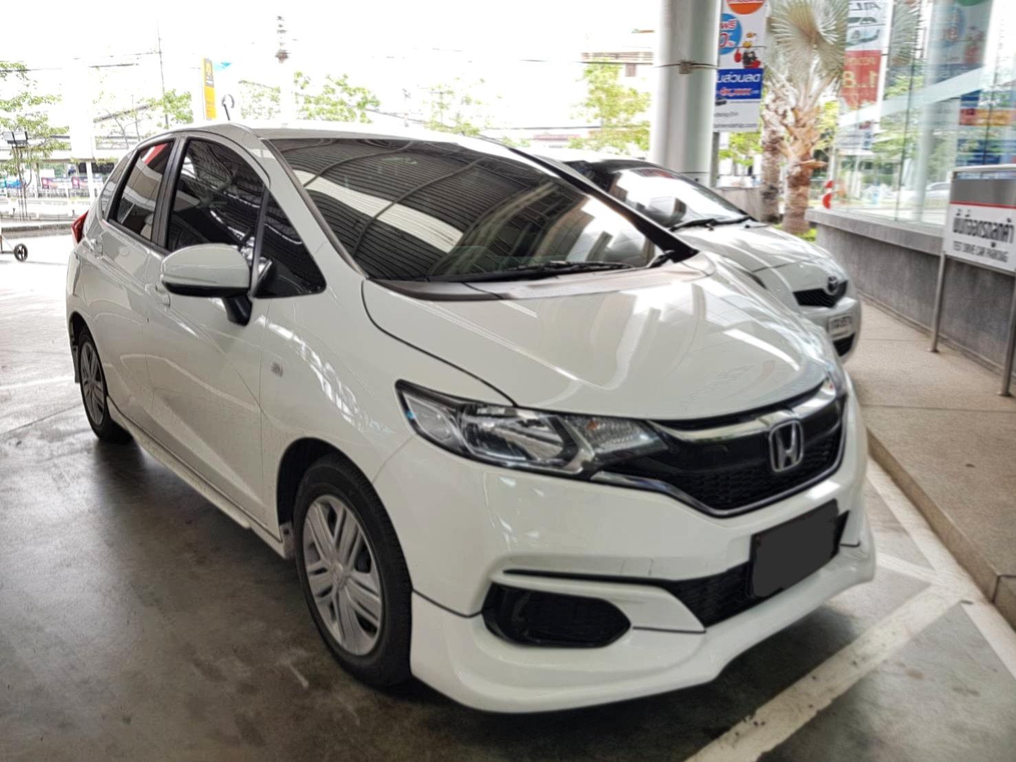 เช่ารถ รถเช่า กรุงเทพมหานคร Honda Jazz 2018