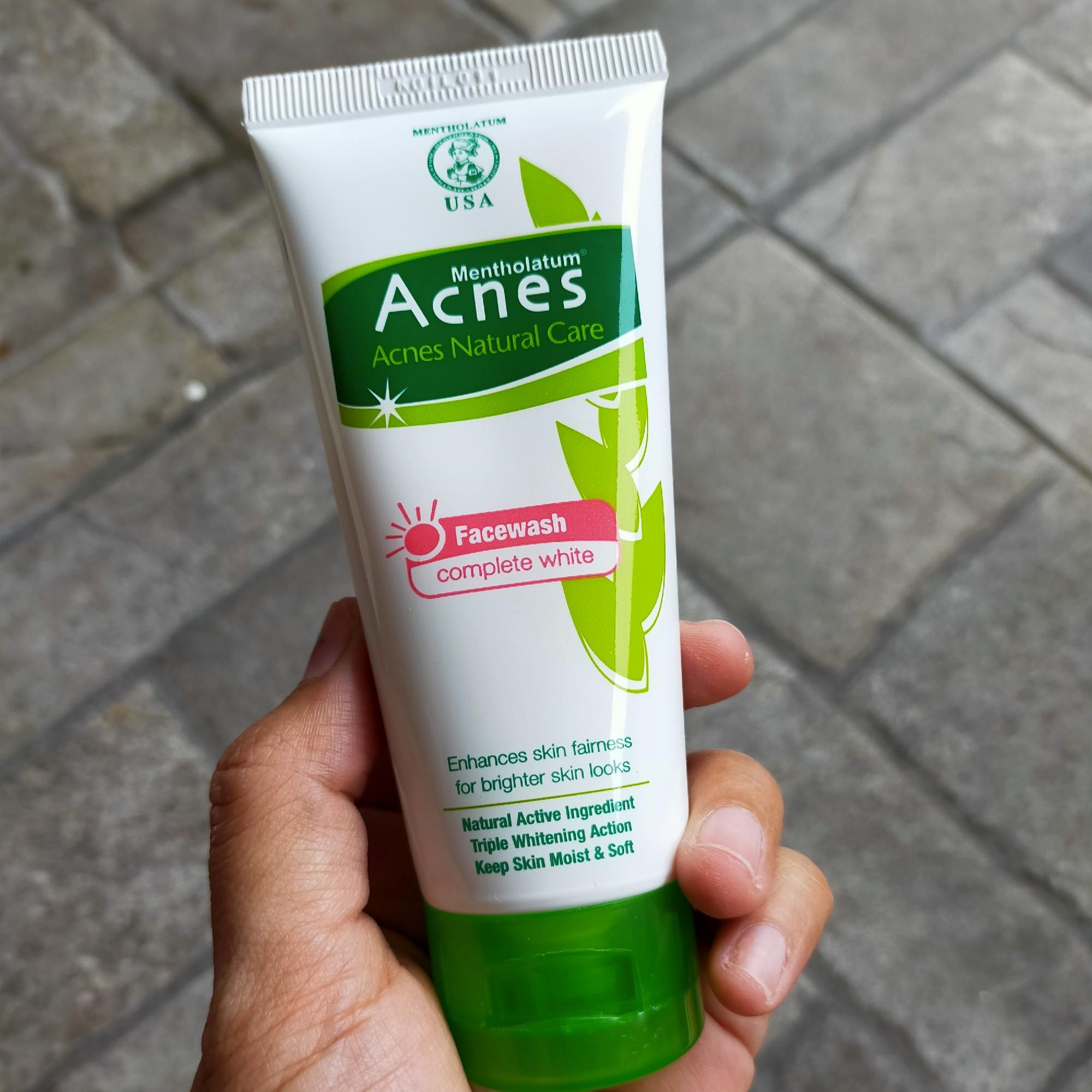 Acnes Face Wash Complete White Cerahkan Dan Samarkan Bekas Jerawat
