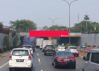 sewa media Billboard Billboard JPO Tol Jorr KM 31+700 (Tunnel Kampung Rambutan)  KOTA JAKARTA TIMUR Street