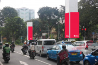 sewa media Neon Box Neon Box Pillar Monorail - Simpang Hotel Fairmont KOTA JAKARTA PUSAT Street
