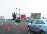 sewa media Billboard Billboard JL.Tol Tomang Pluit Dr Makaliwe KM 15 +800 (B) KOTA JAKARTA BARAT Street