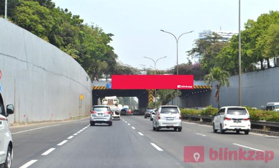 Sewa Billboard - Billboard Tunnel Harsono Tol JORR KM. 25 + 500 B - kota jakarta selatan