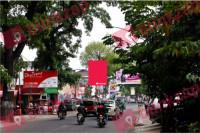sewa media Billboard Billboard - Jl. Cihampelas (depan SMU Pasundan 2 Bandung) KOTA BANDUNG Street