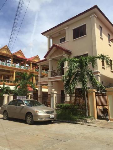 Twin villa in Piphub Thmey 3 Veng Sreng Road - 1/6