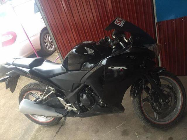 2012 honda cbr250r for sale - 1/3