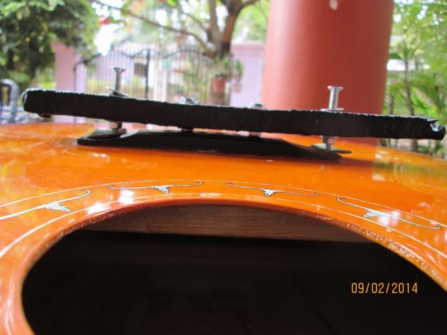 Guitar for sale in Sihanouk ville - 3/6