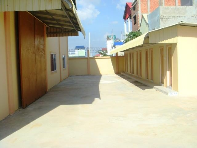 large warehouse for rent in Sen Sok area - 7/8