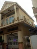 2 floor flat sell under market price