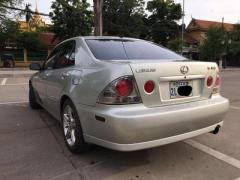 Lexus 2001, IS300