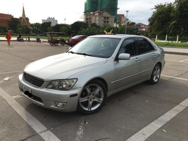 Lexus 2001, IS300 - 3/4