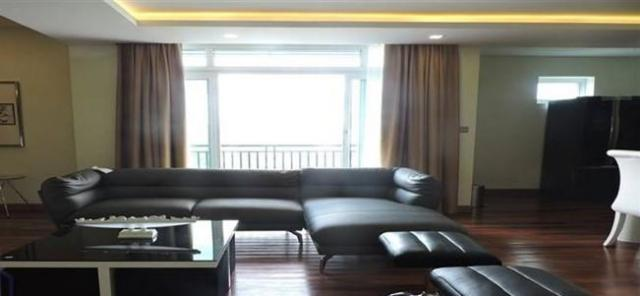 Modern & Brand new service apartment with swimming pool, gym in BKK1 - 2/4