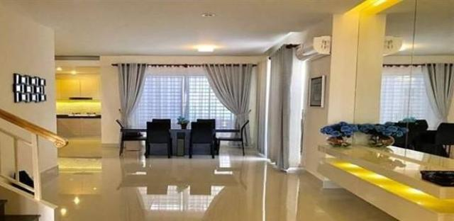 Nice Twin Villa For Rent in Borey Peng Huoth Beoung Snor - 1/4