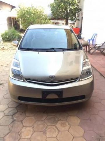 Toyota Prius 2004 Half-Full Option - 2/2