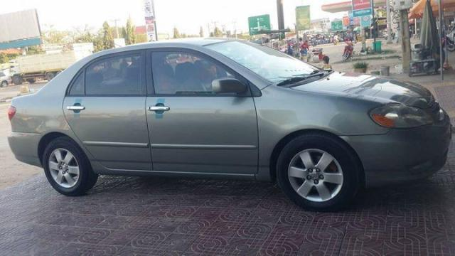 Corola 2004 - 1/4