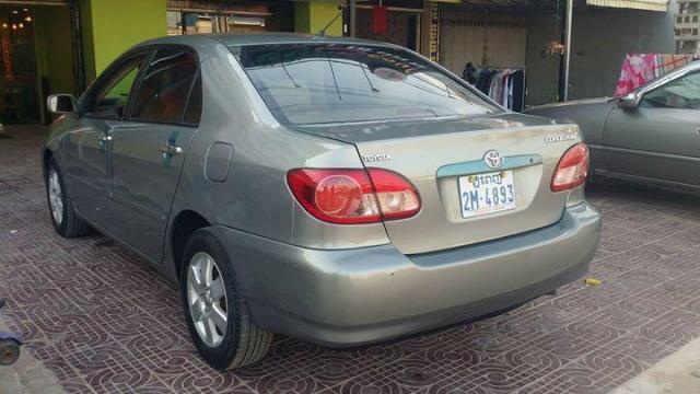 Corola 2004 - 2/4