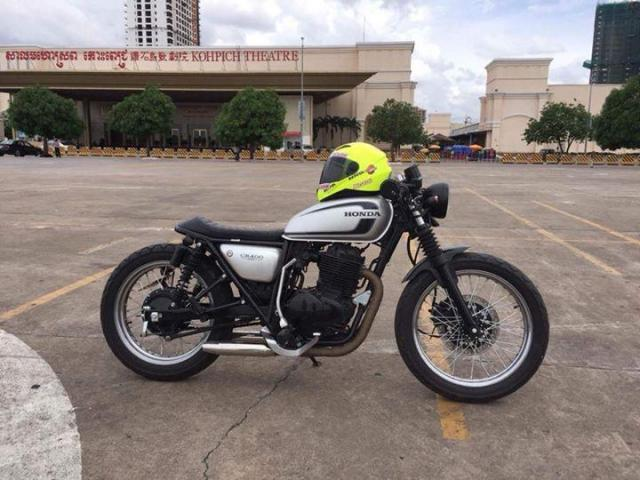 Honda cb400. 2002 of created year. original siliver color. - 3/3
