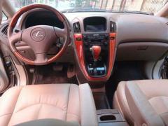 Lexus RX 300 seri 2003  - Image 2/3
