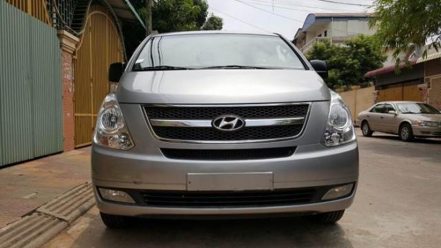 2011 Hyundai Grand Starex  - 1/1