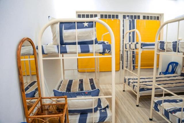 large house for rent can use as hostel business - 3/9