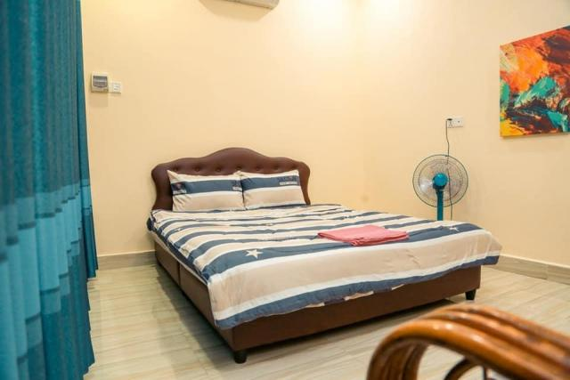 large house for rent can use as hostel business - 4/9