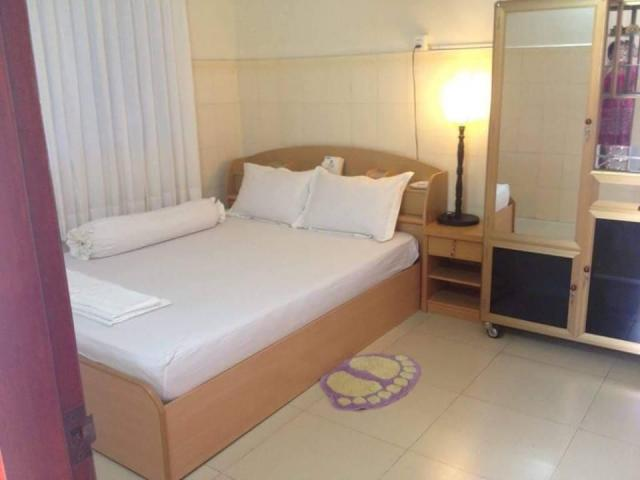 Furnished room with ensuite in a share house ... All bills are included  - 4/4