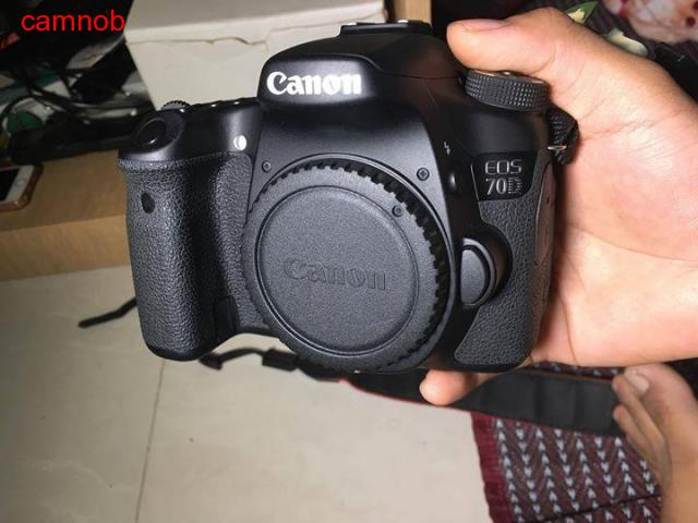 Used Canon 70D for urgent sale - 4/6