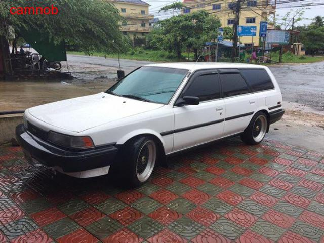 Used white vintage toyota camry wagon for sale in Kampongsom - 1/11