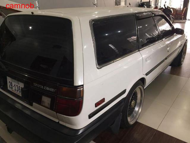 Used white vintage toyota camry wagon for sale in Kampongsom - 10/11