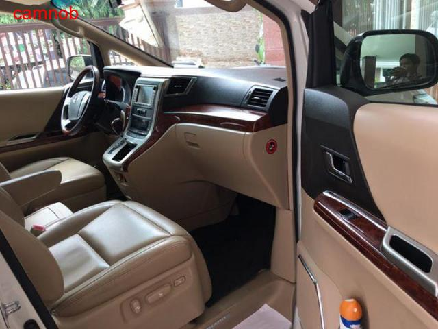 Amost new Toyota Alphard 2011 for sale - 1/6