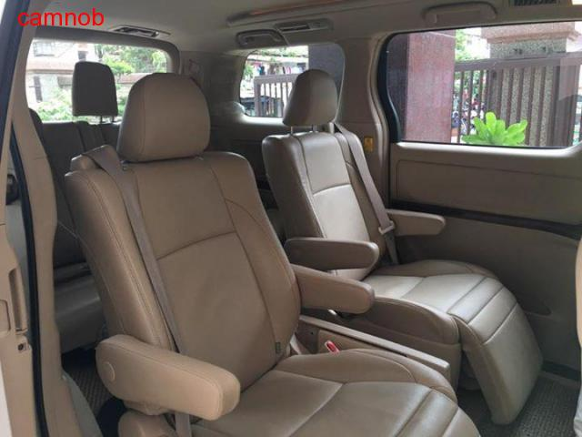 Amost new Toyota Alphard 2011 for sale - 2/6