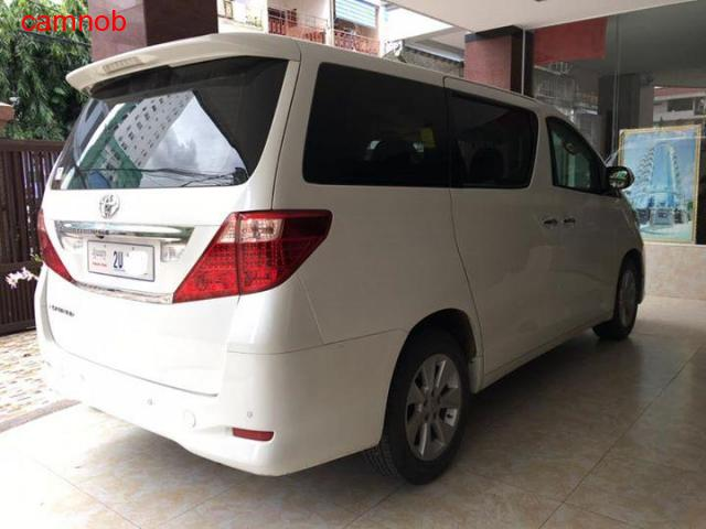 Amost new Toyota Alphard 2011 for sale - 3/6