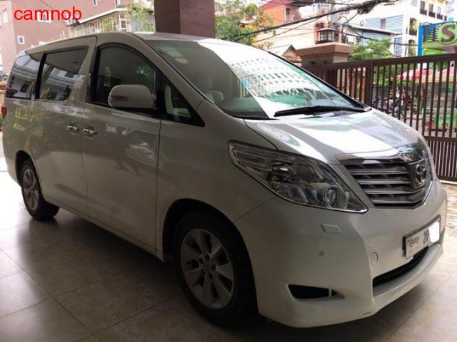 Amost new Toyota Alphard 2011 for sale - 4/6