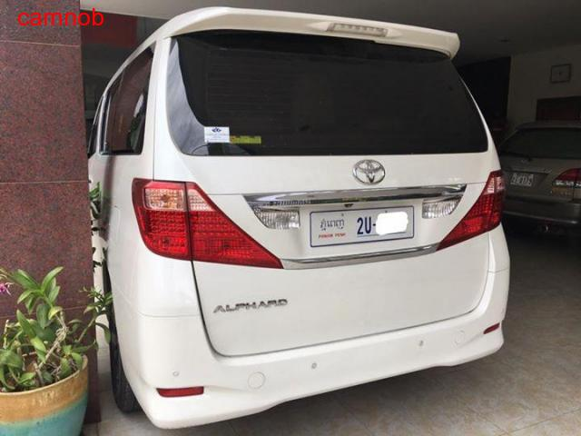 Amost new Toyota Alphard 2011 for sale - 6/6