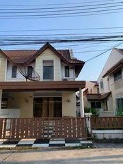 ให้เช่าทาวน์เฮ้าส์ 2 ชั้น มีพื้นที่สวนด้านข้าง หมู่บ้านคันทรีเมืองใหม่ ชลบุรี
